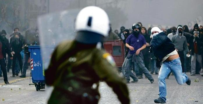 EDIZIONE STRAORDINARIA: Palermo assediata. E' guerriglia.