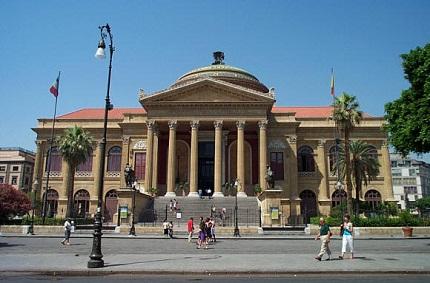 Palermo, Centro Storico in ginocchio