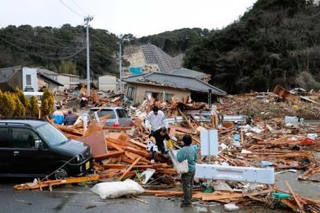 Giappone, terremoto di 9 gradi: disastro epico. Foto e video