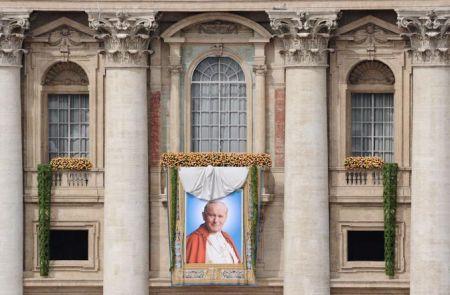 Giovanni Paolo II è Beato: foto e video della Cerimonia