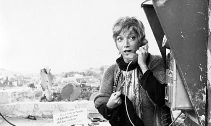 Cabine telefoniche addio: fine di un'epoca
