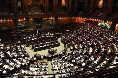 Berlusconi si è dimesso: termina il suo Governo