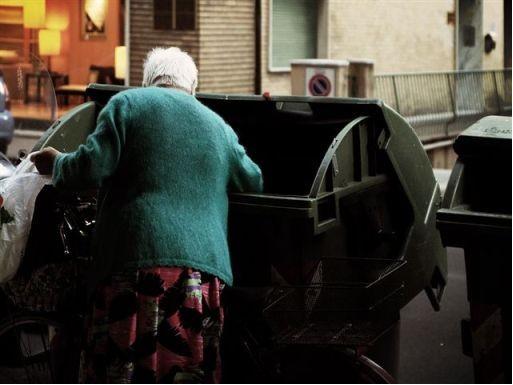 Anziani denutriti per colpa della crisi: il frigo è vuoto