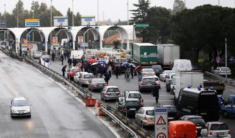INFERNO A PALERMO: i Tir bloccano le principali strade