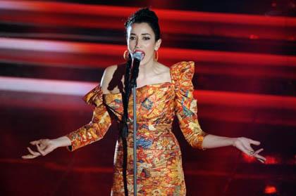 Sanremo, terza serata tra ascolti in calo e polemiche