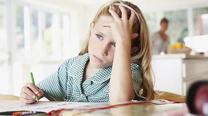 """Scuola, dalla Francia arriva lo stop ai """"compiti a casa"""""""