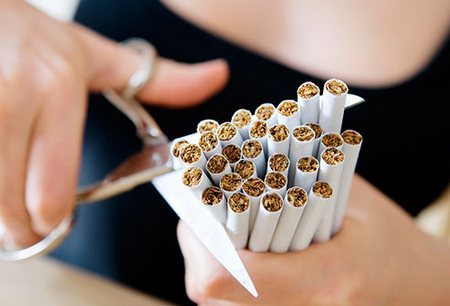 Australia, al via le sigarette senza logo