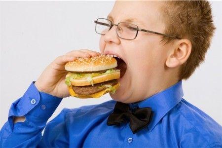 Bambini, l'obesità riduce le prestazioni del cervello