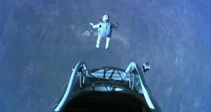 Felix Baumgartner ce l'ha fatta: salta da 39000 metri!
