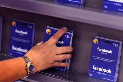 Facebook Gift, al via le ricariche Wind e Vodafone
