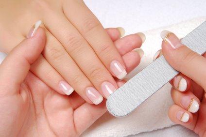 Salute, attenti alla manicure: espone all'epatite!