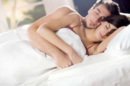 Fare sesso al mattino? Fa bene alla salute!