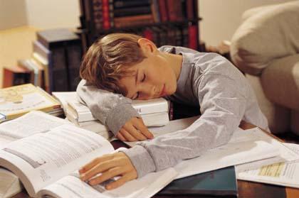 I compiti dei figli? Mettono in crisi i genitori!