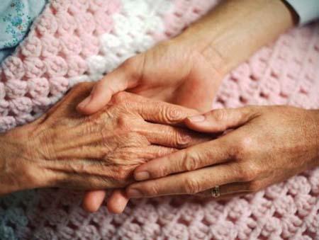 Ospedali rischiosi: aumentano gli infortuni agli anziani