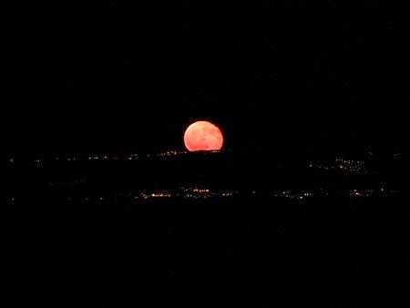 """Domenica prossima visibile la """"Luna Rossa"""""""