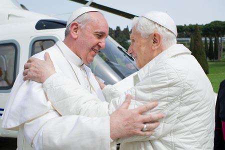 Il Papa emana la sua prima Enciclica