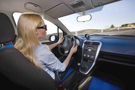 """Donne al volante? Secondo gli Italiani """"sono pericolose"""""""