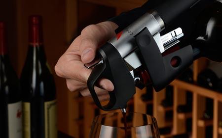 Curiosità, bere il vino senza stapparlo? Si può!