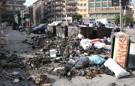 Palermo, è ancora emergenza rifiuti