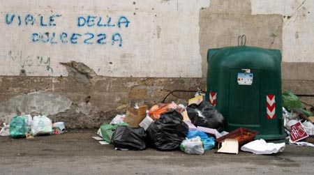 Palermo, emergenza rifiuti: Orlando rimanda a Febbraio