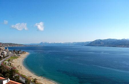 Messina, ritrovata un'ancora nei fondali
