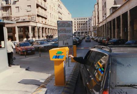 Palermo, nuovo sistema di parcheggi: scoppia il caos