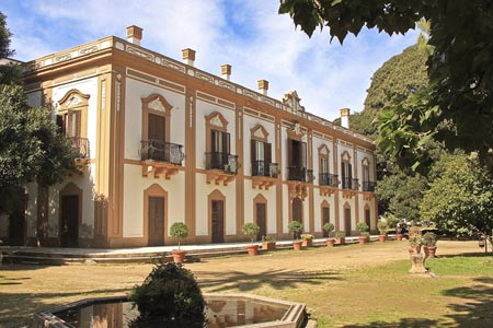 Palermo, pericolo per Villa Trabia: scattano i sequestri