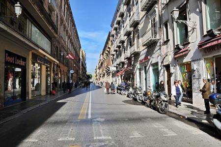 Palermo, Via Maqueda: chiusura totale. E' polemica.