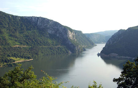 Natura, acque d'Europa infestate dai pesticidi