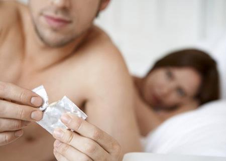 Sesso, nasce il condom che uccide le malattie sessuali