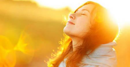 Salute, venti minuti di sole prevengono la fragilità ossea