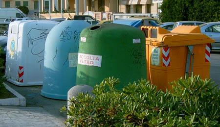 Palermo, il disastro della raccolta differenziata