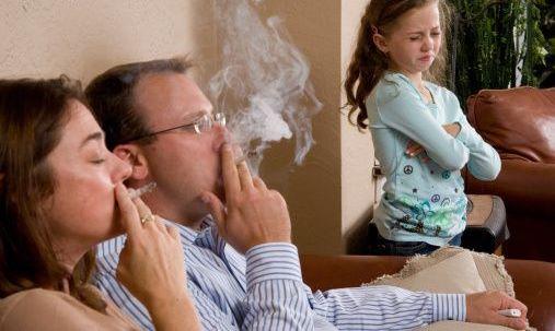 """Salute, il """"fumo depositato"""" è estremamente cancerogeno"""