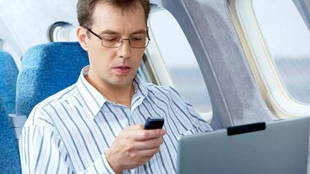Europa, si al cellulare in aereo