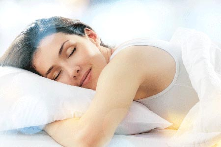 I giovani dormono sempre meno: persa un'ora di sonno