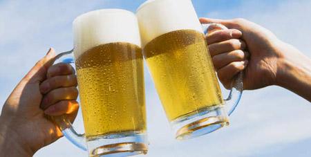 Salute, la birra aumenta la possibilità di procreare