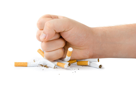 Salute, il fumo aumenta del 2000% il rischio tumore