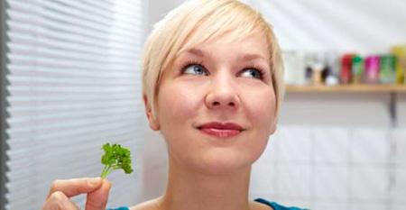 Curiosità, le donne riconoscono meglio gli odori