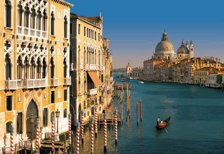 Curiosità, Venezia vieta i trolley