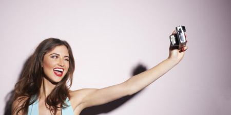 Curiosità, i selfie? Sono indice di solitudine!