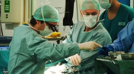 Salute, la musica in sala operatoria aiuta i pazienti