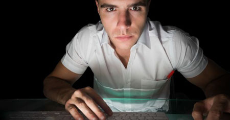 Salute, i turni di lavoro notturni danneggiano il cervello