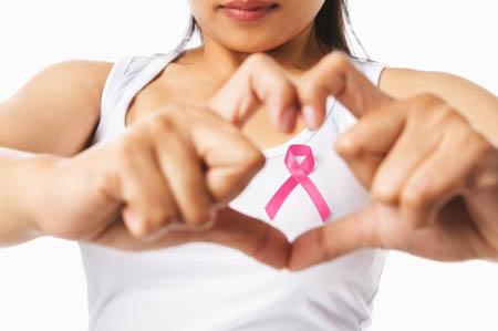 Salute, tumori: per quello al seno si muore il 38% di meno