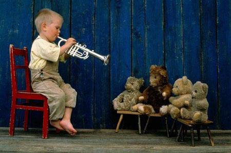 Bambini, suonare da piccoli riduce l'ansia da adulti