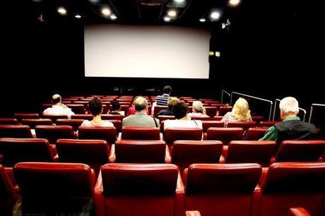 Curiosità, occhio ai film tristi: fanno ingrassare!