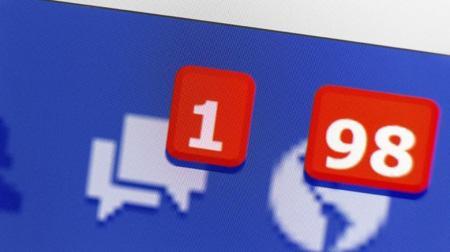 Web, Facebook introduce le nuove notifiche su cellulare