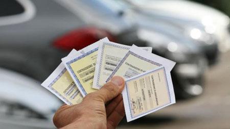 Automobili, da giugno stop all'attestato di rischio cartaceo