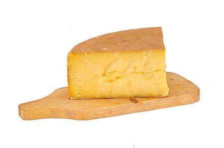 Europa, l'Italia deve produrre formaggi con latte in polvere
