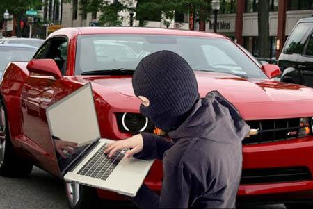 Sicurezza, anche le auto possono essere hackerate