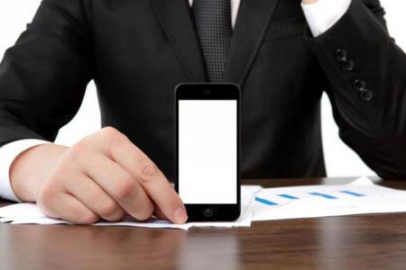 """Psicologia, nasce dal cervello la """"Sindrome da IPhone lento"""""""